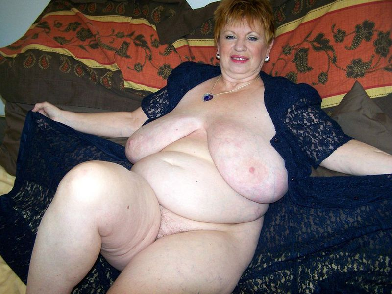 Mature women and grannies. Gallery - 412. Photo - 8