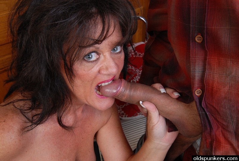 Mature women and grannies. Gallery - 414. Photo - 6