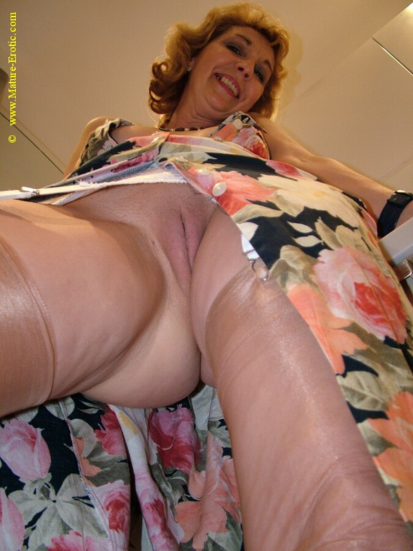 Mature women and grannies. Gallery - 416. Photo - 12