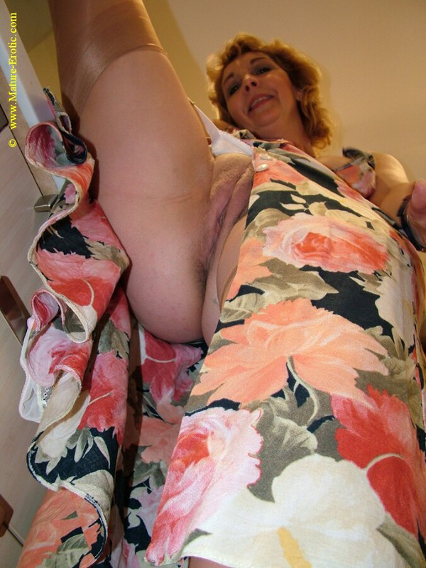 Mature women and grannies. Gallery - 416. Photo - 13