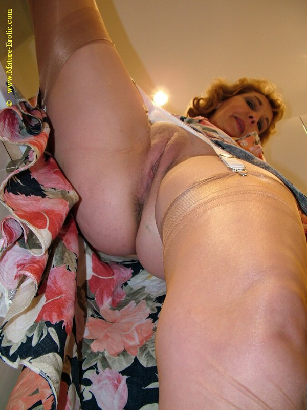 Mature women and grannies. Gallery - 416. Photo - 14