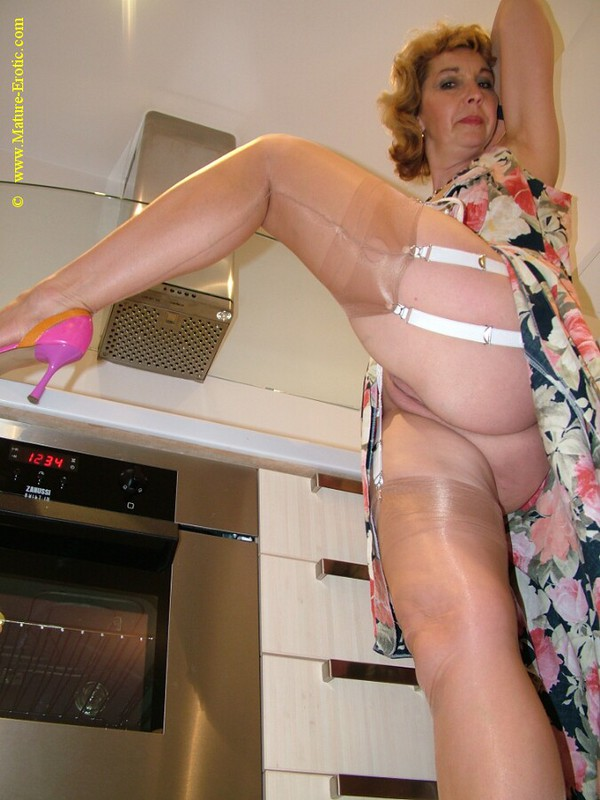 Mature women and grannies. Gallery - 416. Photo - 15