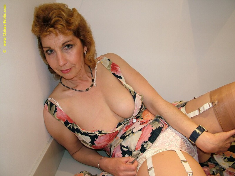 Mature women and grannies. Gallery - 416. Photo - 6
