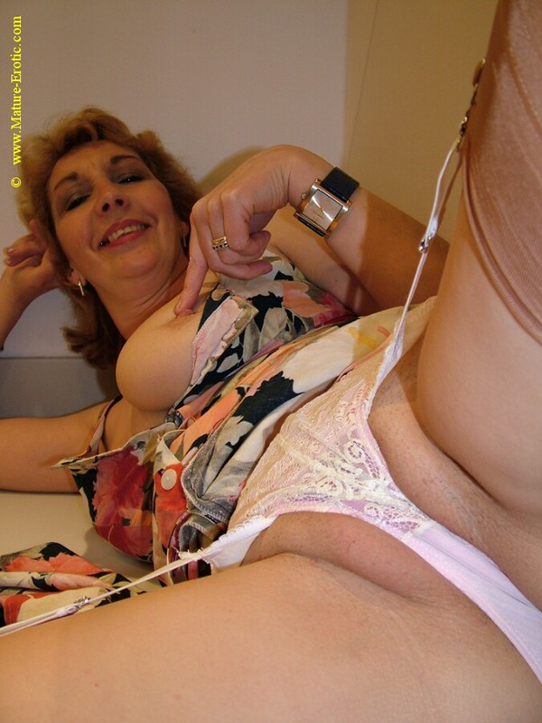 Mature women and grannies. Gallery - 416. Photo - 8