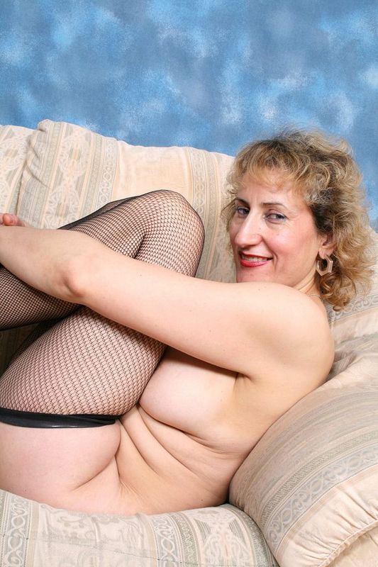 Mature women and grannies. Gallery - 418. Photo - 10