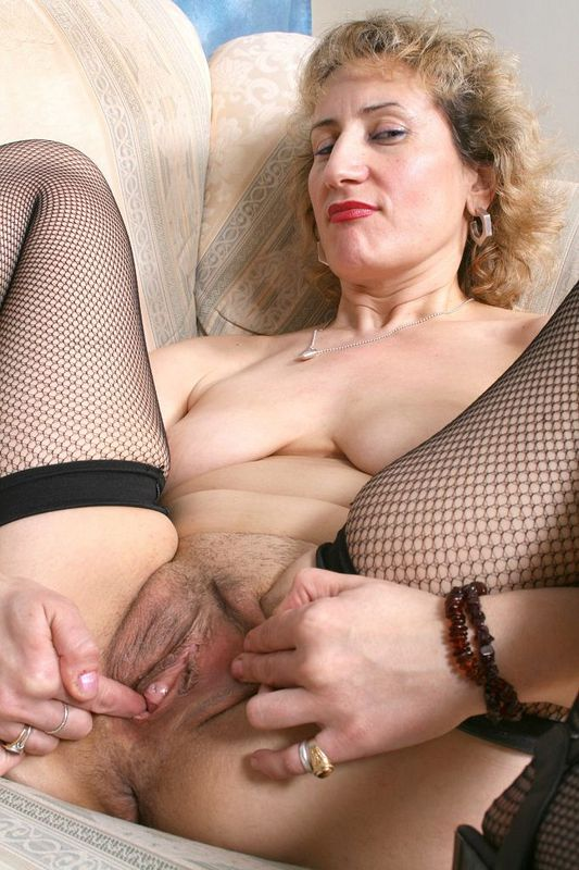 Mature women and grannies. Gallery - 418. Photo - 14