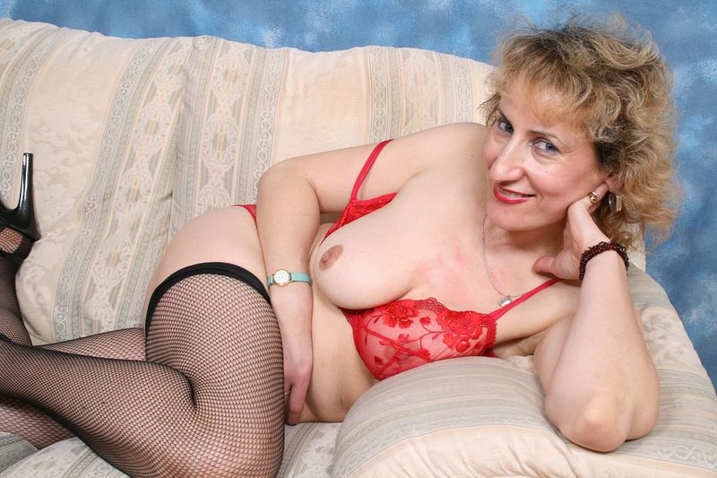 Mature women and grannies. Gallery - 418. Photo - 4