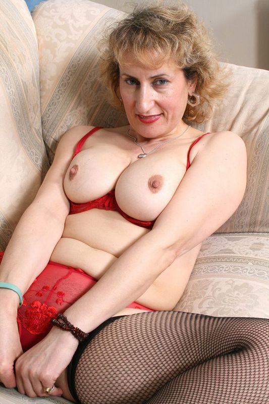 Mature women and grannies. Gallery - 418. Photo - 7