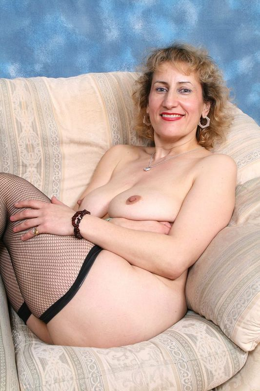 Mature women and grannies. Gallery - 418. Photo - 8