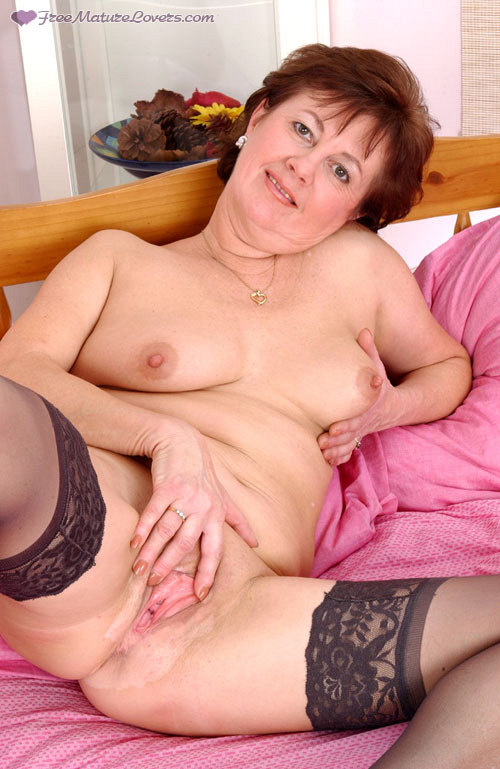 Mature women and grannies. Gallery - 419. Photo - 16