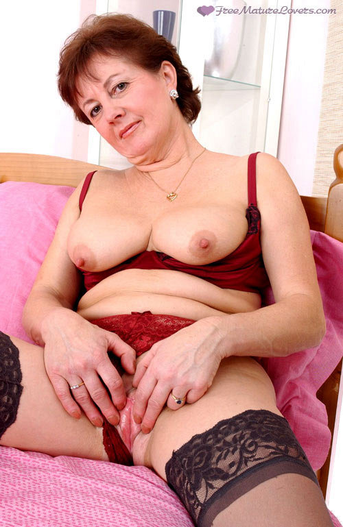 Mature women and grannies. Gallery - 419. Photo - 9
