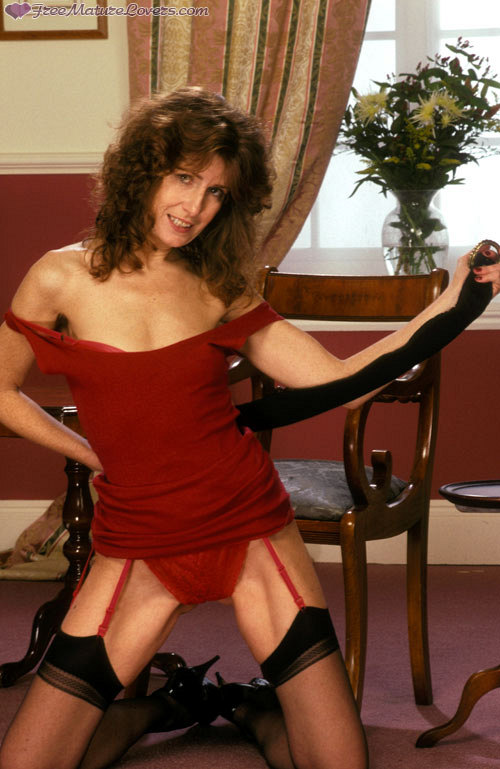 Mature women and grannies. Gallery - 420. Photo - 1