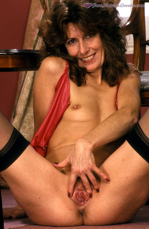 Mature women and grannies. Gallery - 420. Photo - 13