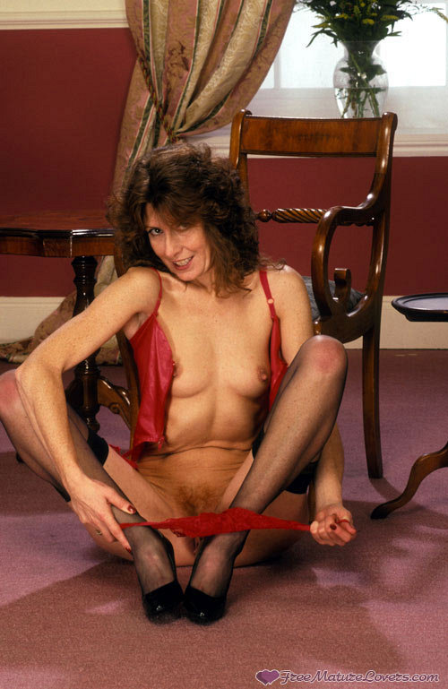 Mature women and grannies. Gallery - 420. Photo - 9
