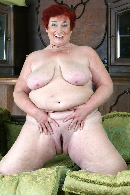 Mature women and grannies. Gallery - 421. Photo - 11
