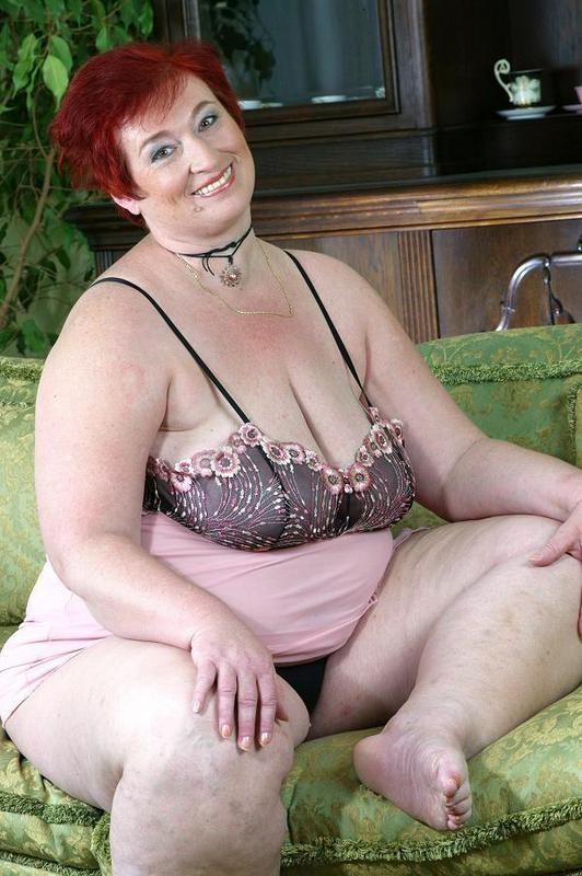 Mature women and grannies. Gallery - 421. Photo - 2