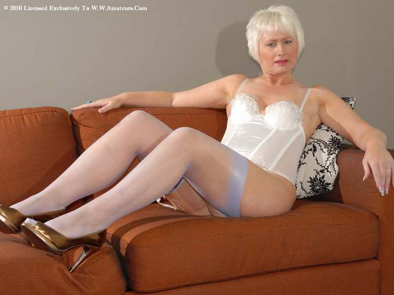 Mature women and grannies. Gallery - 422. Photo - 2