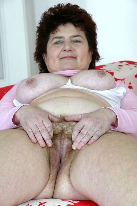 Mature women and grannies. Gallery - 424. Photo - 14