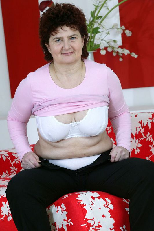 Mature women and grannies. Gallery - 424. Photo - 4