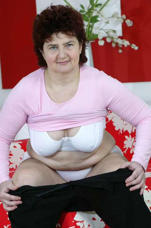 Mature women and grannies. Gallery - 424. Photo - 6