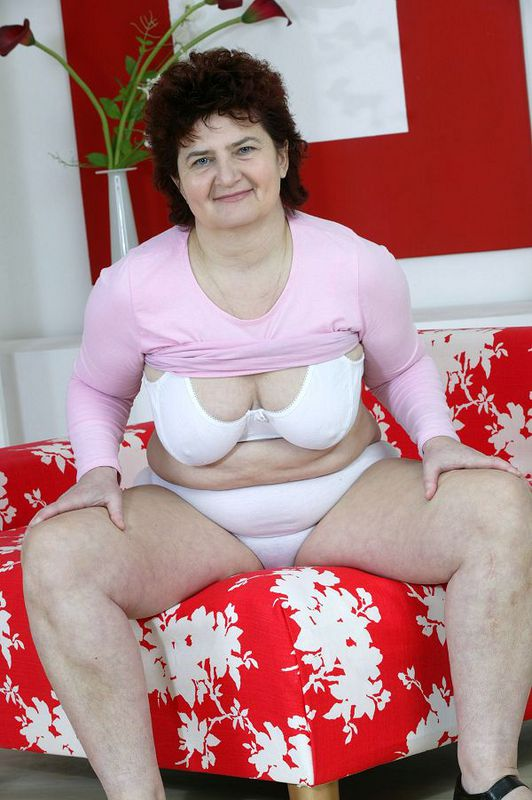 Mature women and grannies. Gallery - 424. Photo - 7