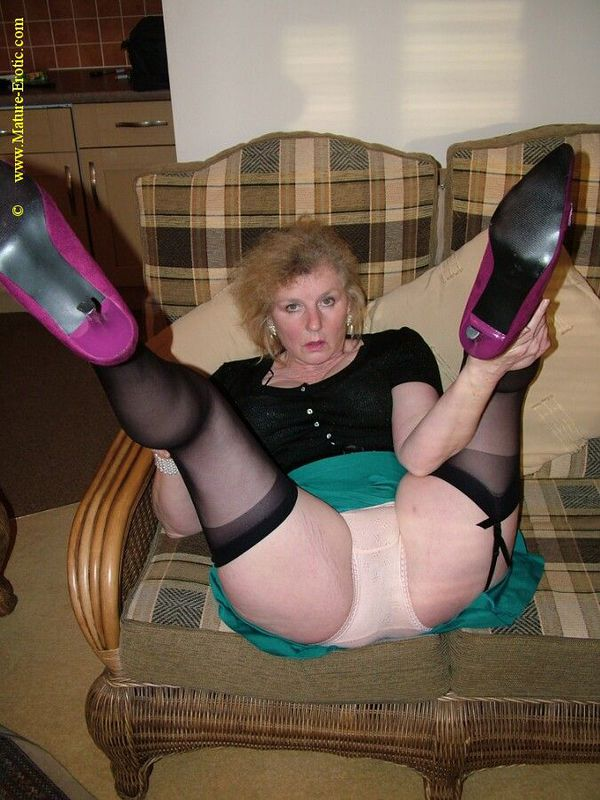 Mature women and grannies. Gallery - 431. Photo - 1
