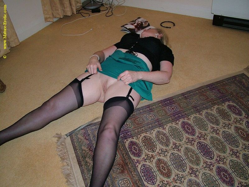 Mature women and grannies. Gallery - 431. Photo - 17