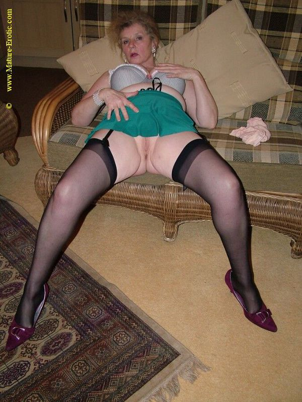 Mature women and grannies. Gallery - 431. Photo - 18