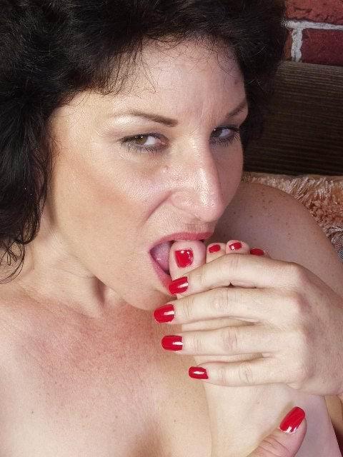 Женщина без трусов на фото. Фото - 12