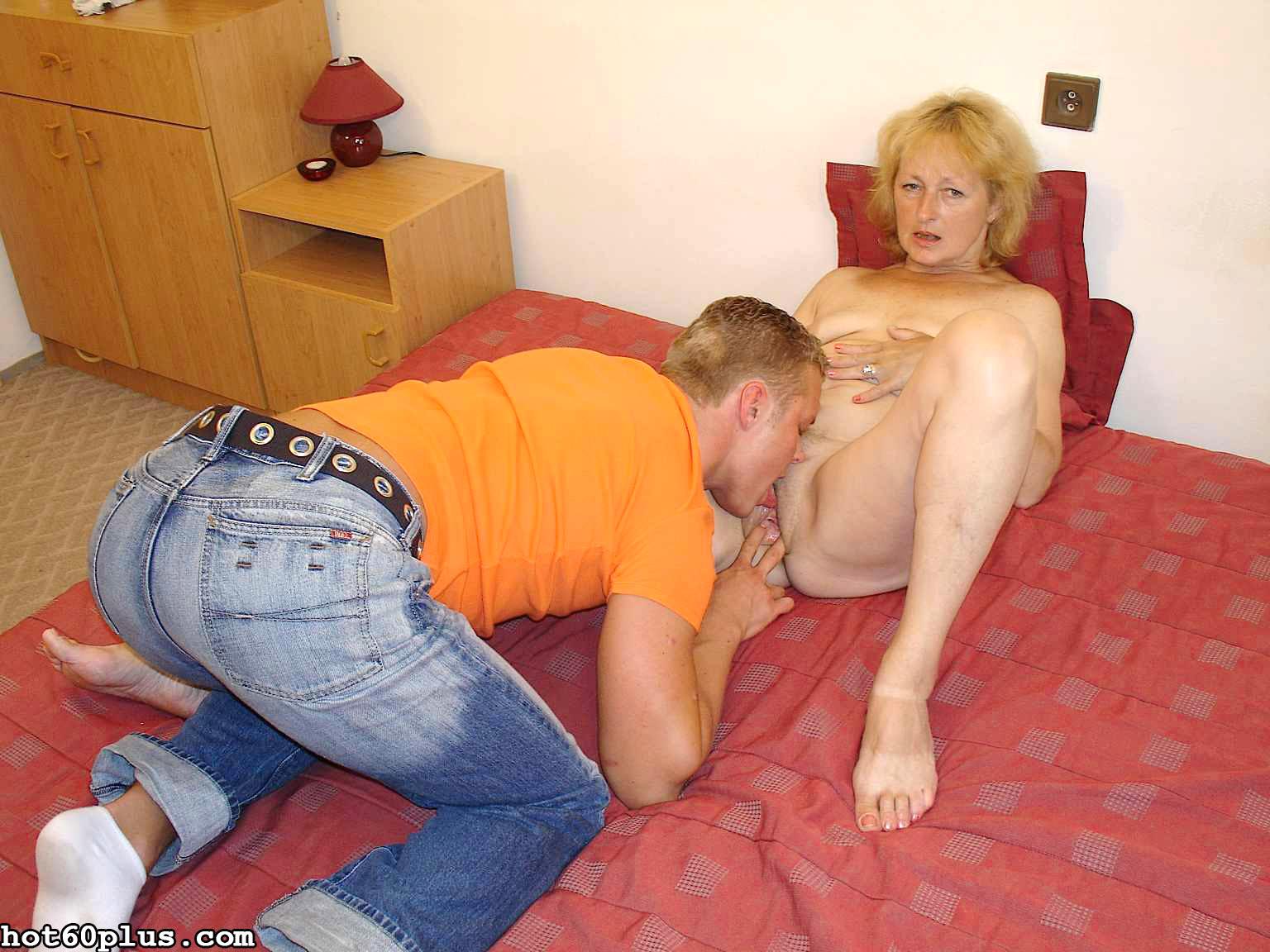 Снимки про инцест с матушкой. Фото - 4