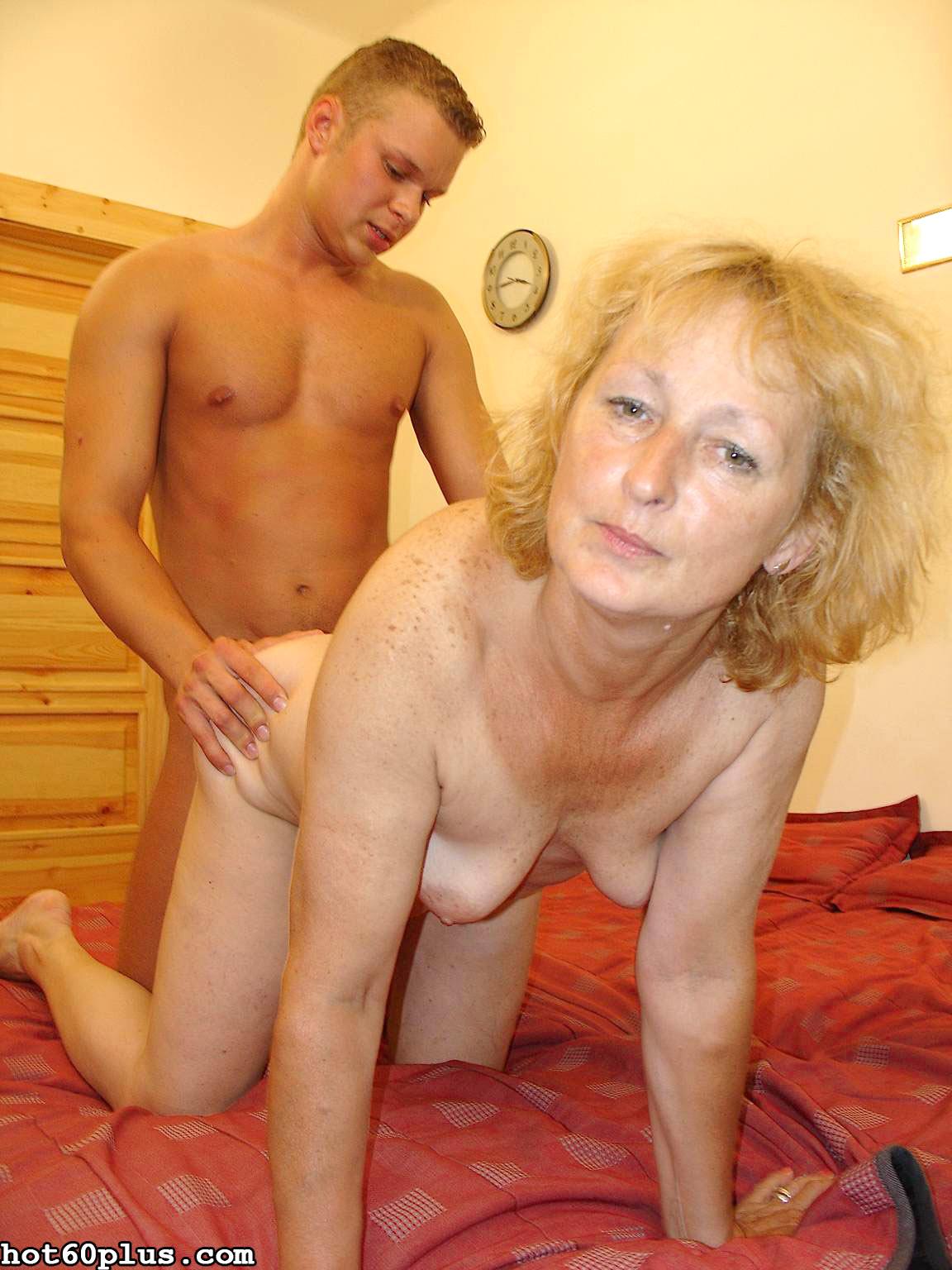 Снимки про инцест с матушкой. Фото - 5