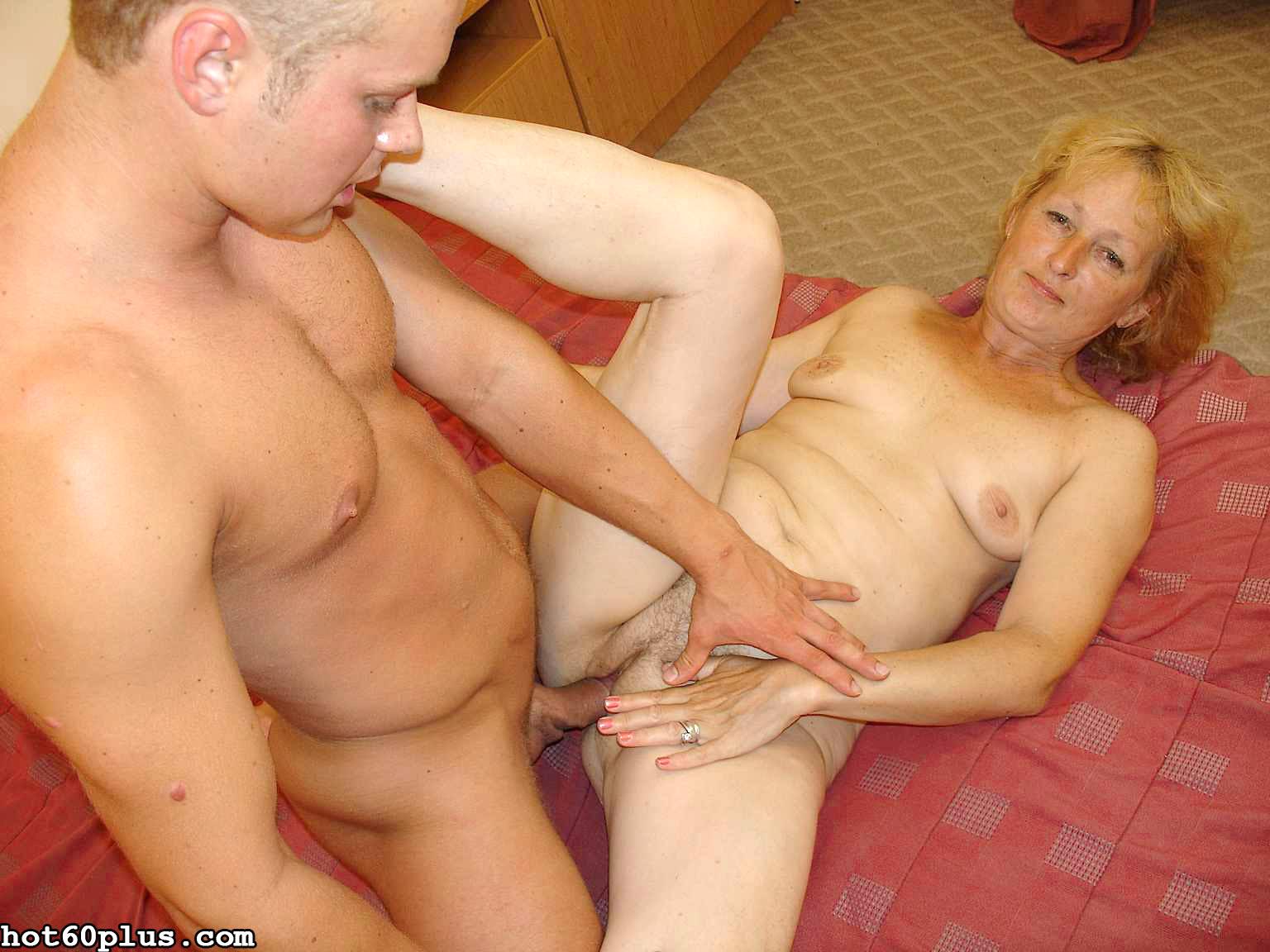 Снимки про инцест с матушкой. Фото - 6