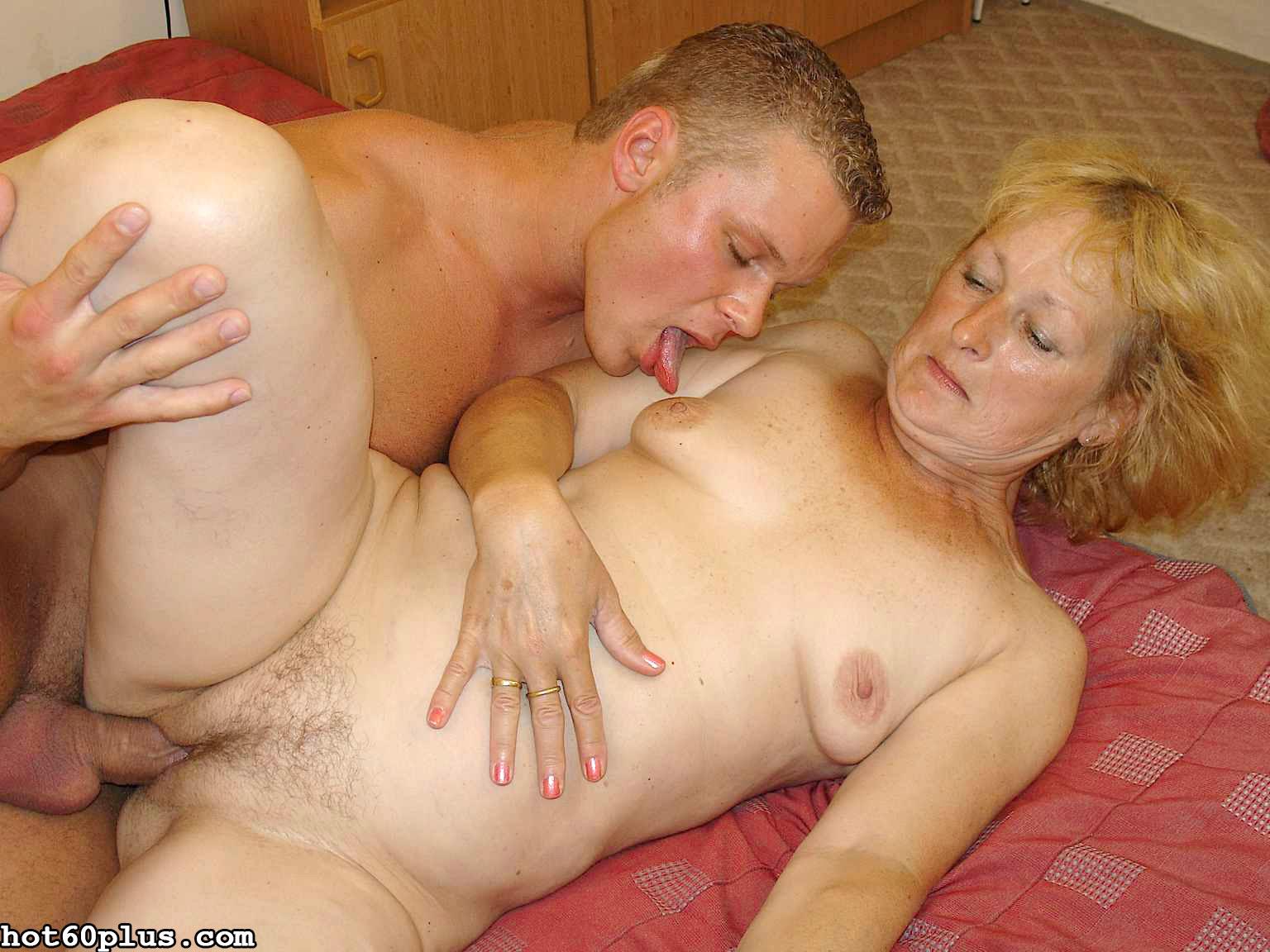 Снимки про инцест с матушкой. Фото - 7