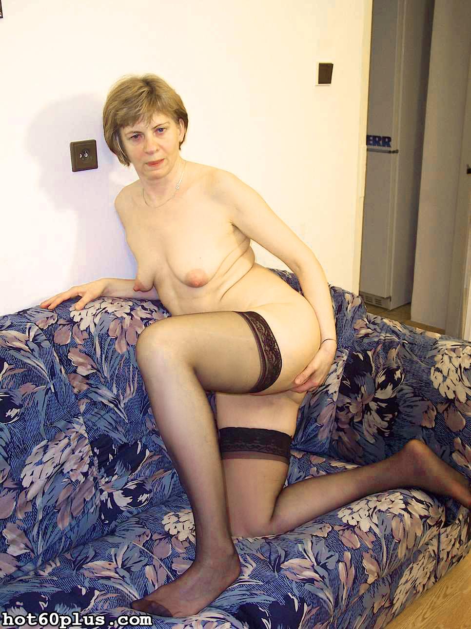 ХХХ фотки про трах с мамой на диване. Фото - 1
