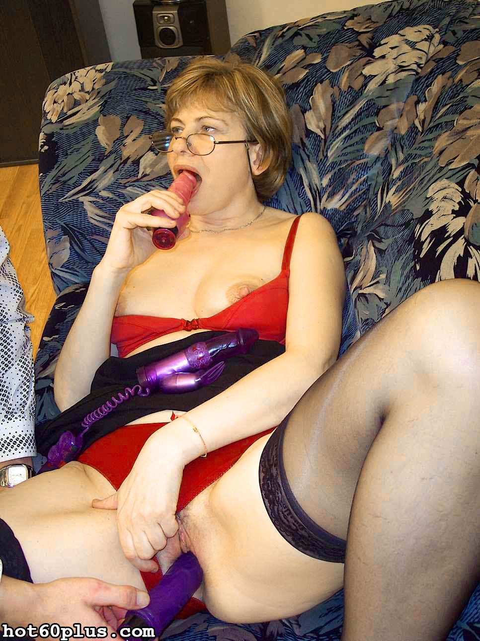 ХХХ фотки про трах с мамой на диване. Фото - 13