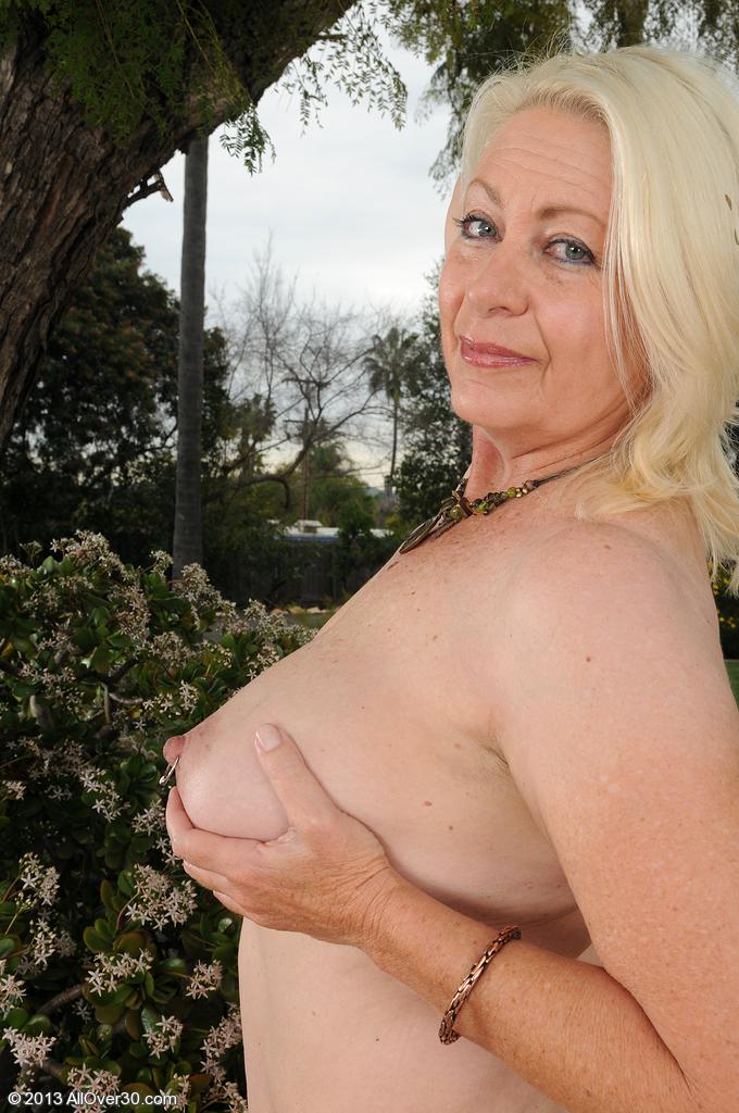 Сексуальная бабушка. Фото - 14