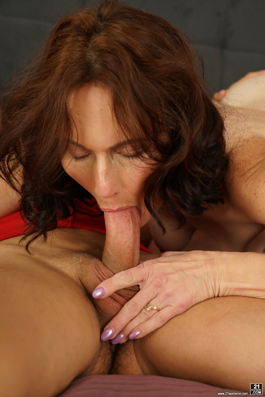 Mature women and grannies. Gallery - 537. Photo - 6