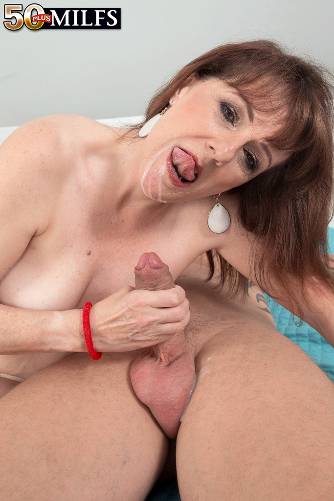 Mature women and grannies. Gallery - 552. Photo - 16