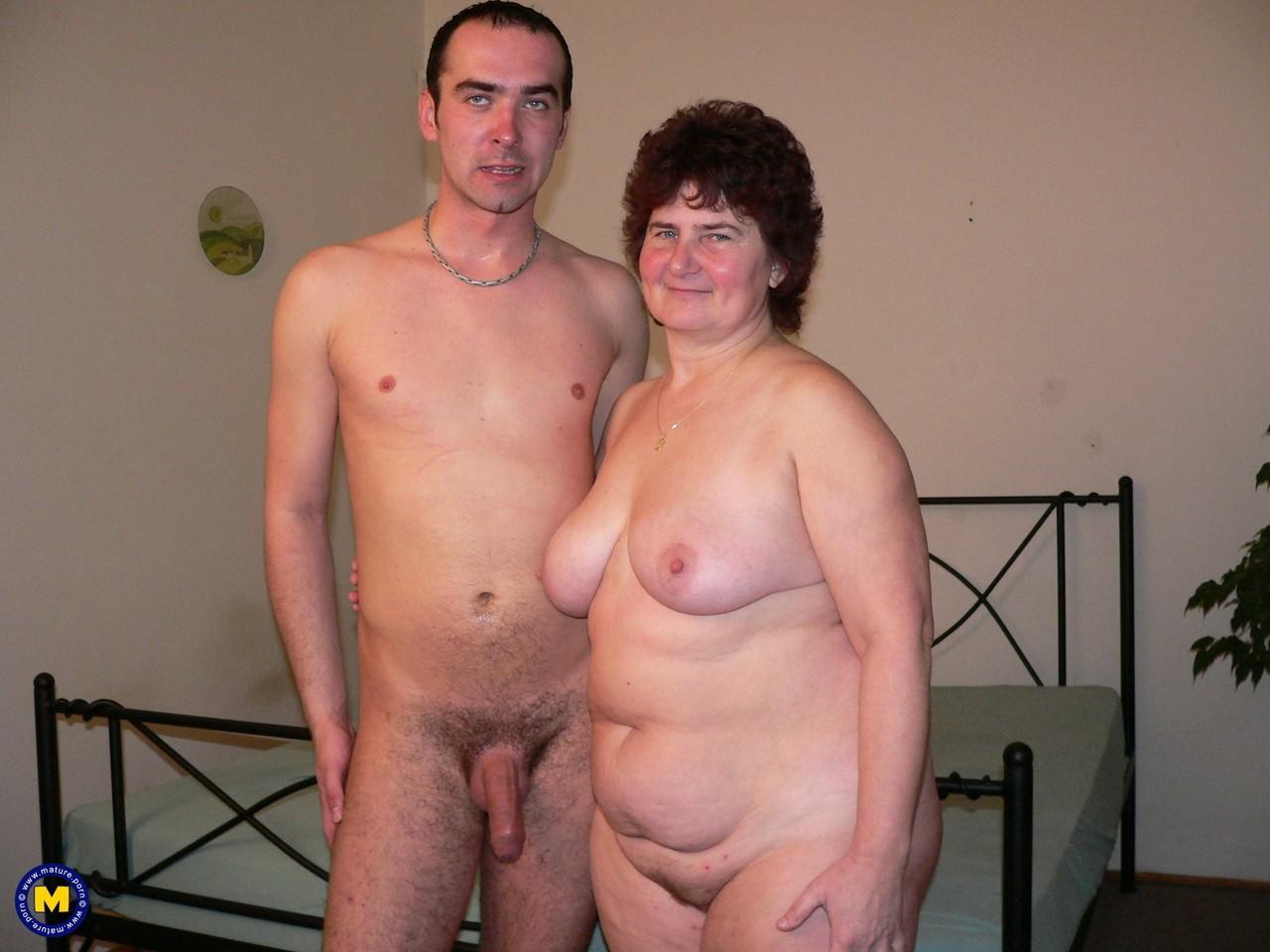 Фотки секса молодого с пассией бальзаковского возраста. Фото - 1