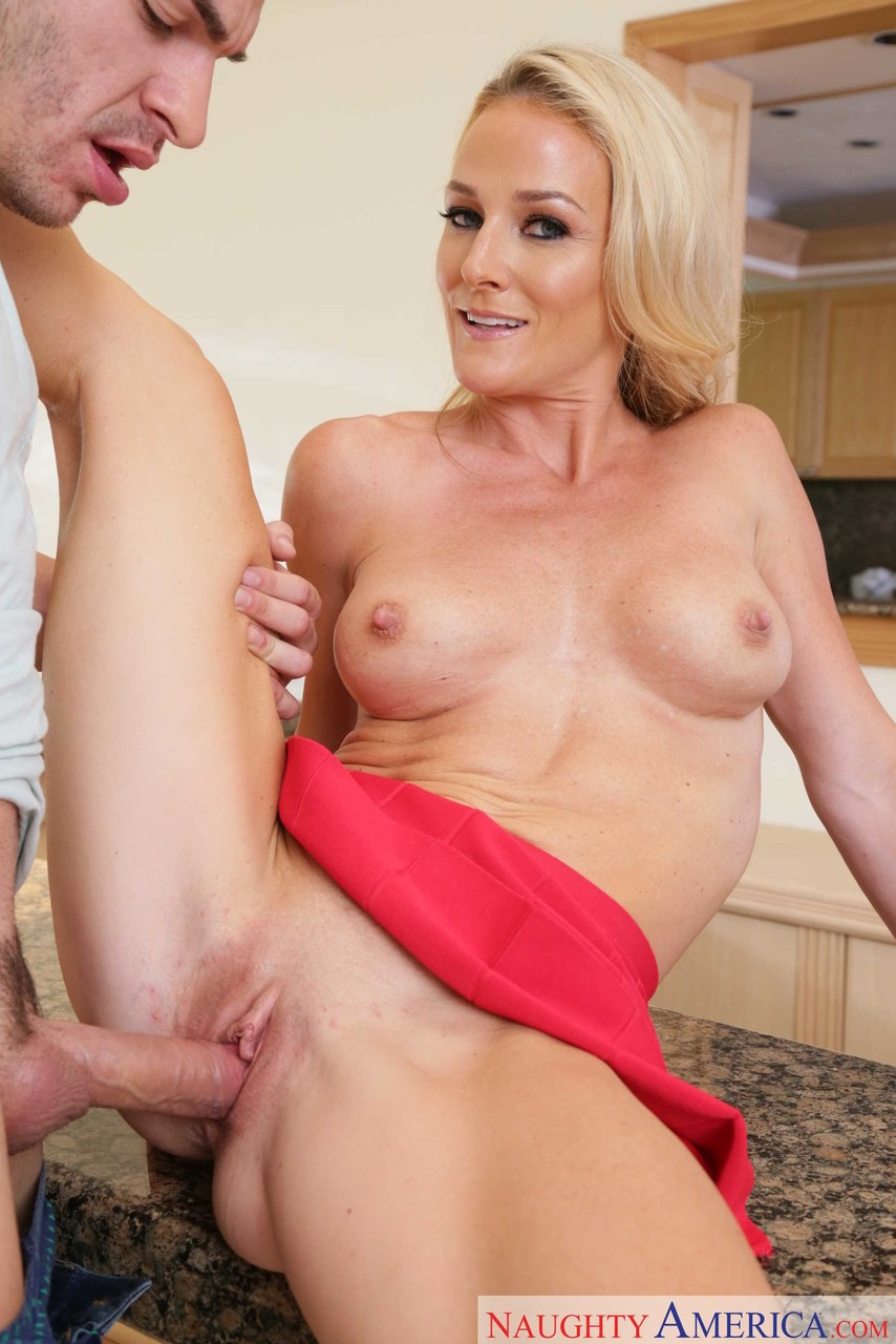 Mature women and grannies. Gallery - 562. Photo - 7