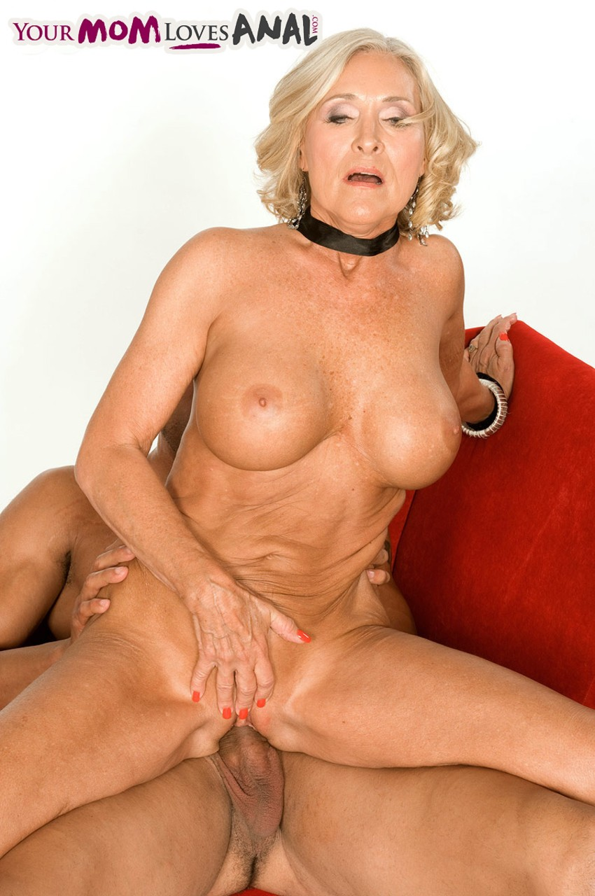 Mature women and grannies. Gallery - 566. Photo - 11