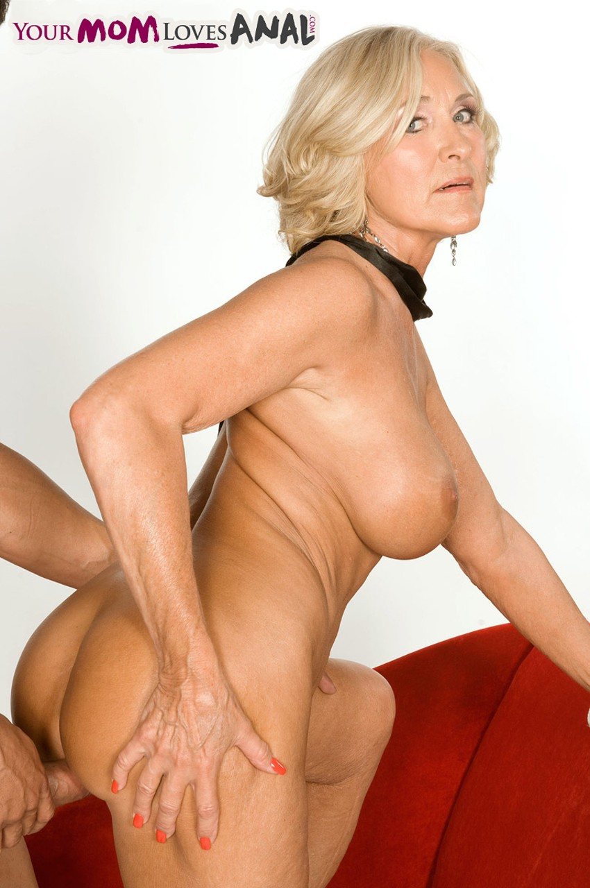 Mature women and grannies. Gallery - 566. Photo - 13