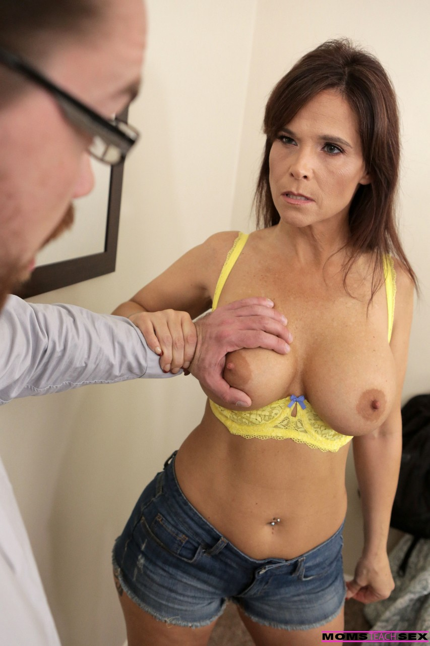 Mature women and grannies. Gallery - 573. Photo - 10