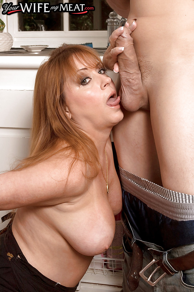 Mature women and grannies. Gallery - 589. Photo - 3
