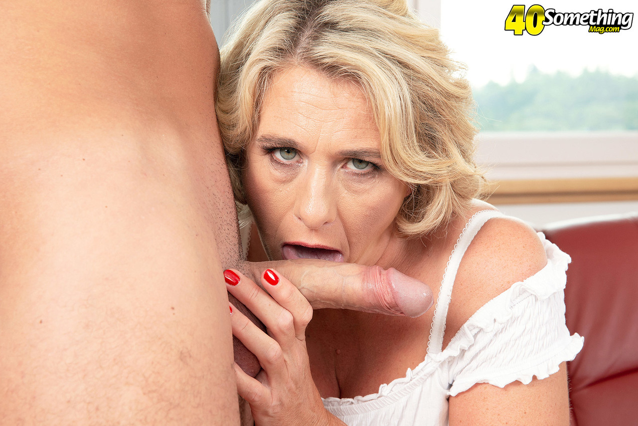 Mature women and grannies. Gallery - 602. Photo - 4