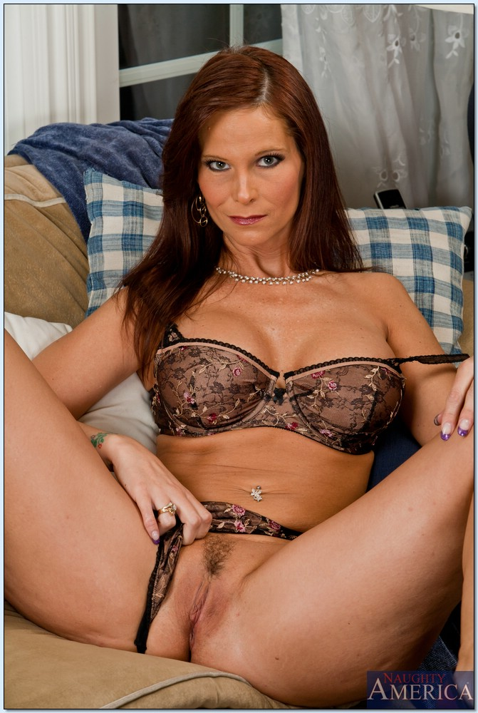 Mature women and grannies. Gallery - 618. Photo - 2