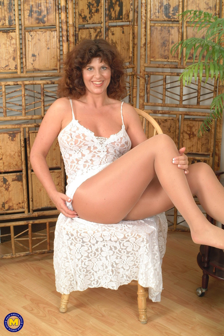 Mature women and grannies. Gallery - 619. Photo - 1