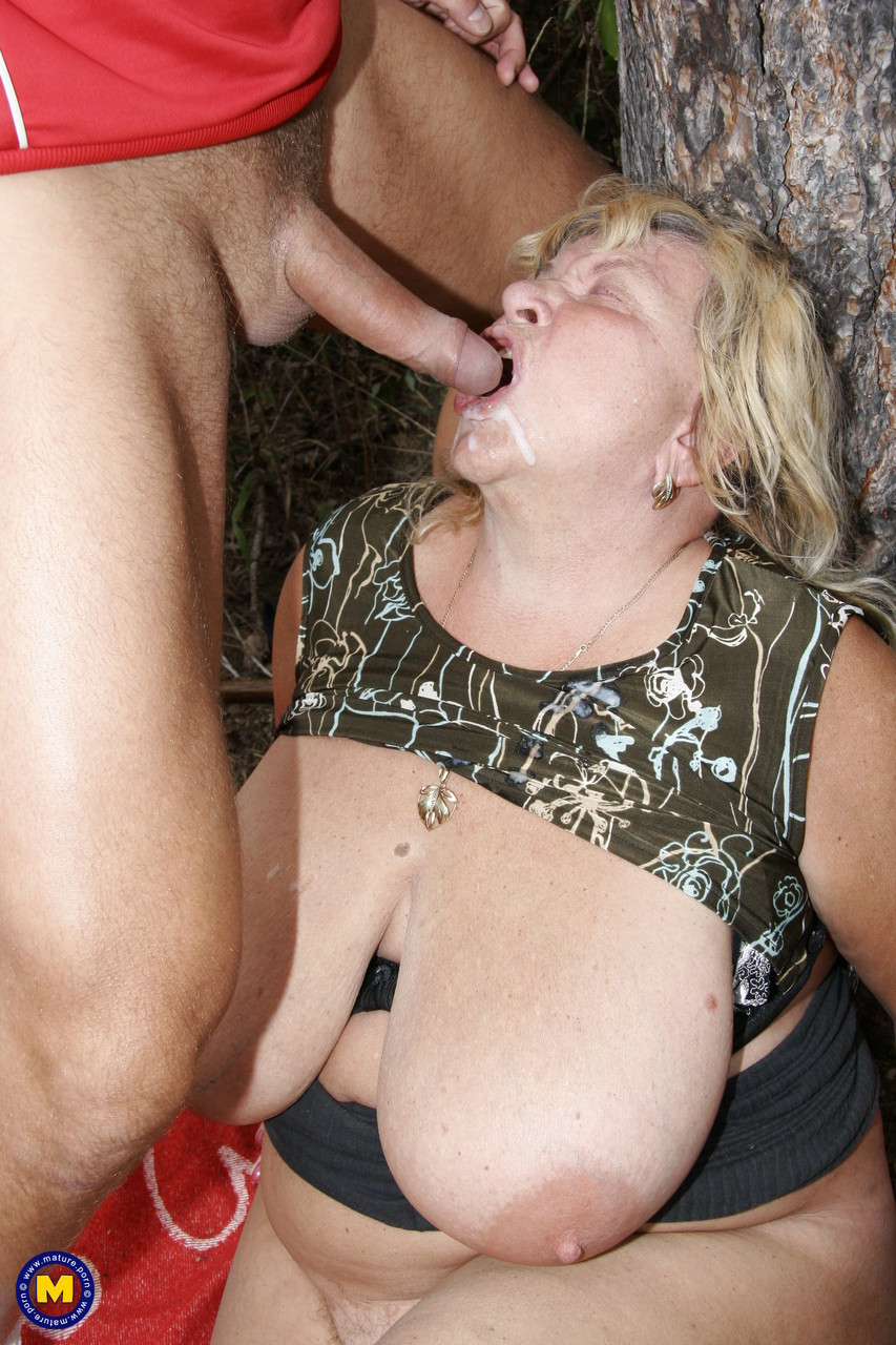 Mature women and grannies. Gallery - 622. Photo - 19