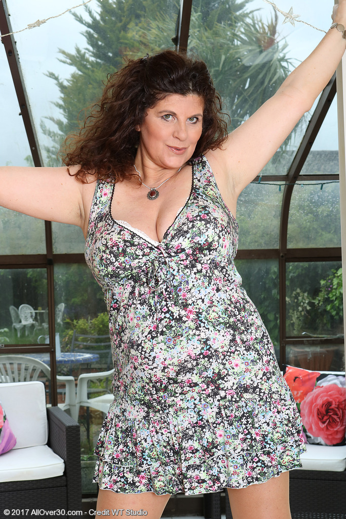 Mature women and grannies. Gallery - 624. Photo - 1