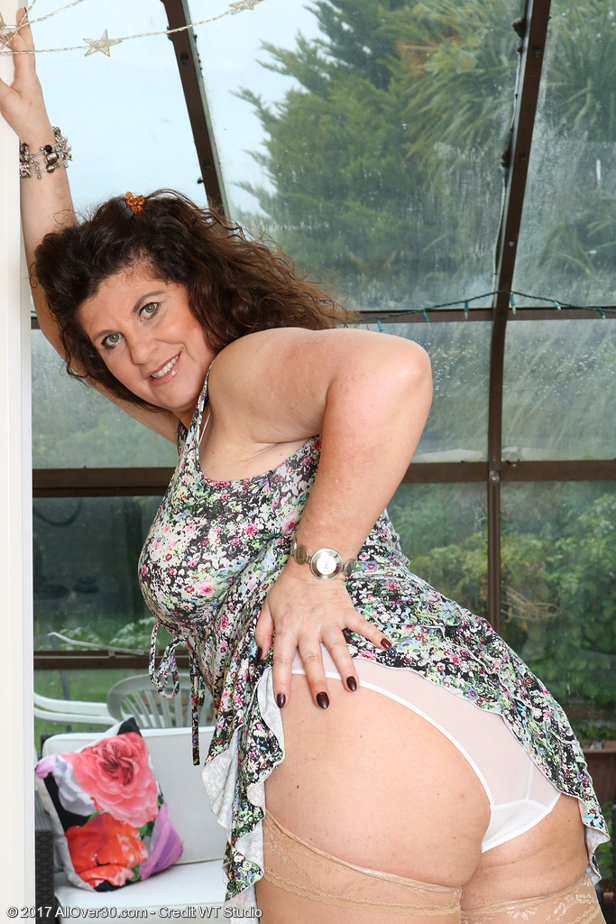 Mature women and grannies. Gallery - 624. Photo - 5
